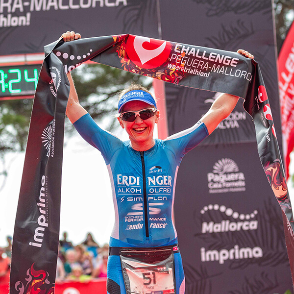 Lucy Gossage won Challenge Mallorca triathlon 70.3 middle distance race in Peguera mallorca Ironman 70.3